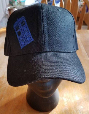 Hats - Doctor Who - Tardis (black)