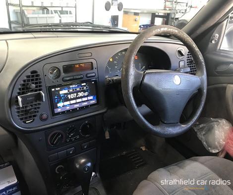 Saab 9000 Headunit Installation