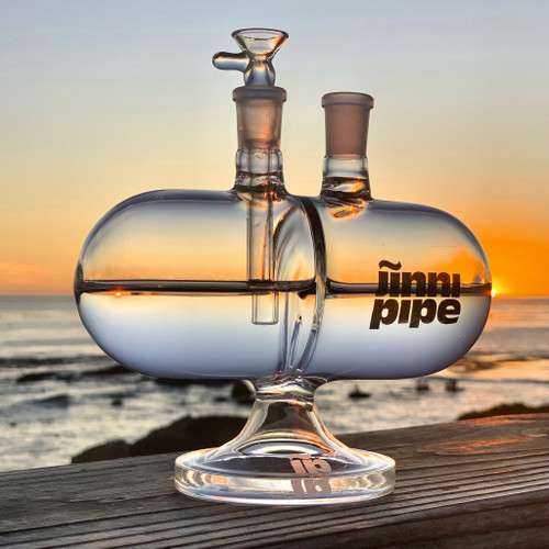 "Jinni Pipe - 7"" Infinity Gravity Water Pipe (MSRP $129.99)"