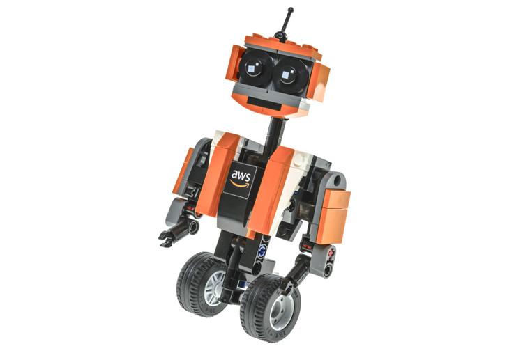 Ozz Robot (2018)