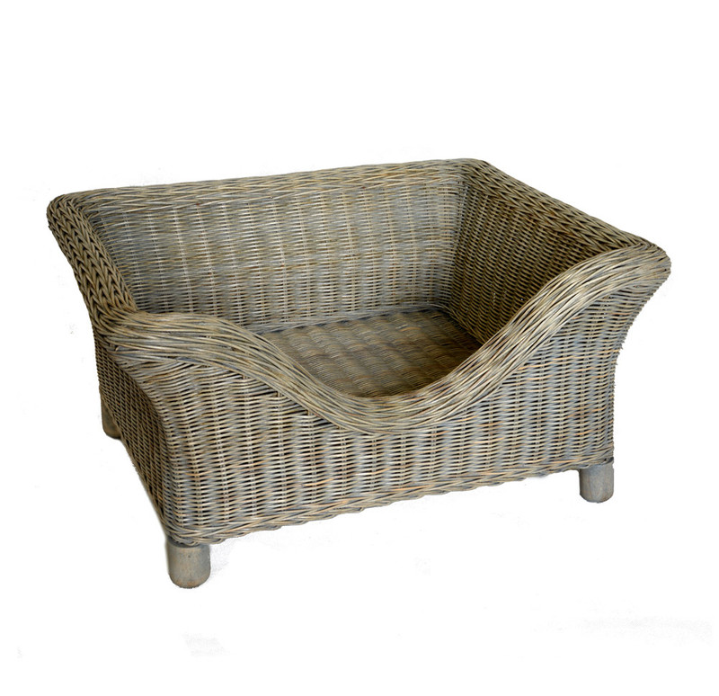 Hugo_&_Otto_Portreath_Rattan_Raised_Dog Bed_Grey_Wash_Small_www.hugoandotto.com