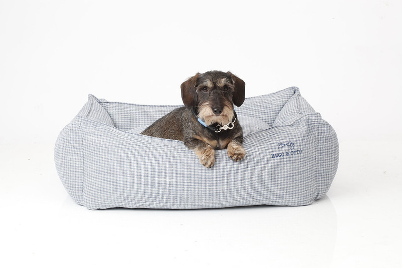 Hugo_&_Otto_Dover_Dog_Bed_Cobalt_Medium_Finnbar_jpeg