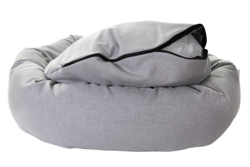Hugo_and_Otto_Chester_Donut_dog_Bed_Zipper_Stirling_detail_jpeg