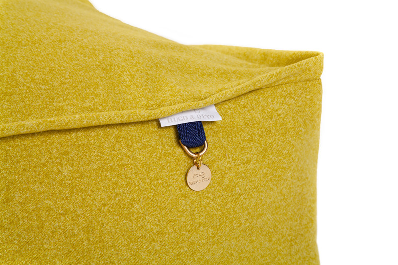 Lincoln_As_Nice_As_Pie_Cushion_Dog_Bed_Citron_Detail_png