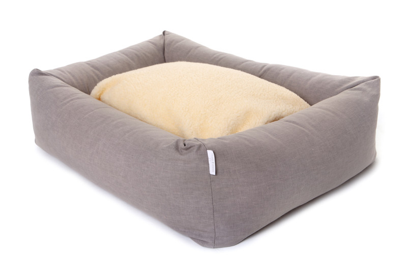 Hugo_and_Otto_Stow_Bolster_Dog_Bed_Cotwolds_Plains_Beige_Fleece_Sleep_Cushion_Reverse_Detail_jpeg