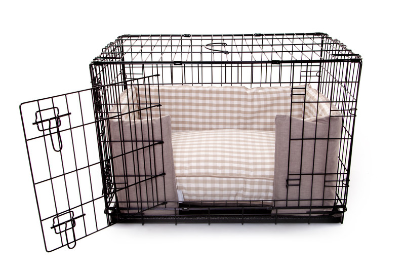 Hugo_and_Otto_Little_Tew_Cosy_Dog_Crate_Cushion_Cotswolds_plain_&_Gingham_Front__(Wider)_Opening_Detail_jpeg