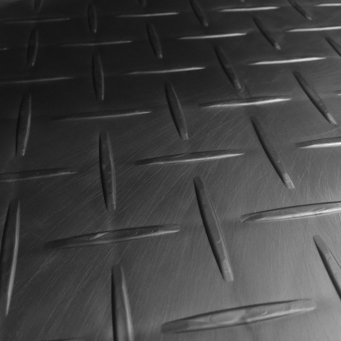 Race Deck Diamond Tile Graphite close up