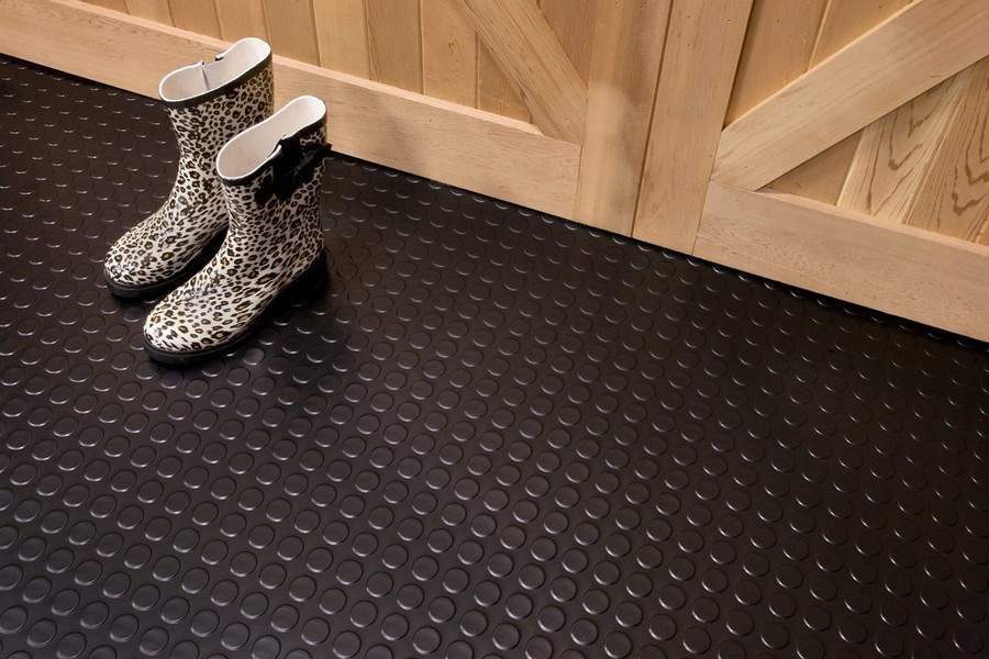 G-Floor Coin Pattern Rollout Floor Covering used in a barn