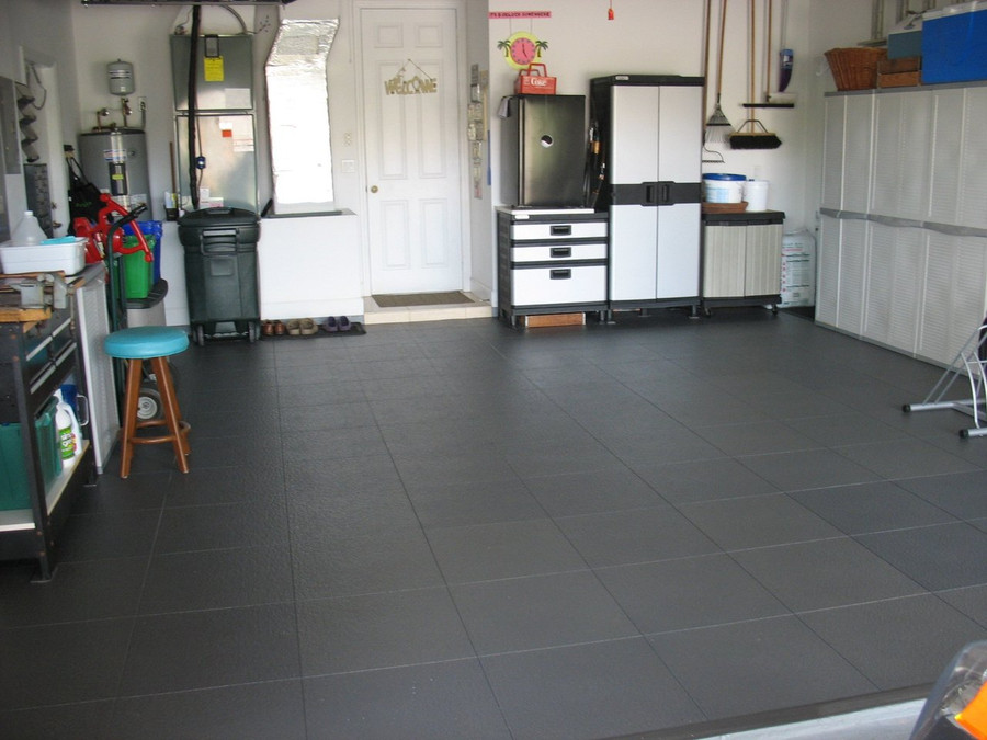 Perfection Floor Tile Homestyle Slate Interlocking Flexible Tile Slate Grey in a garage
