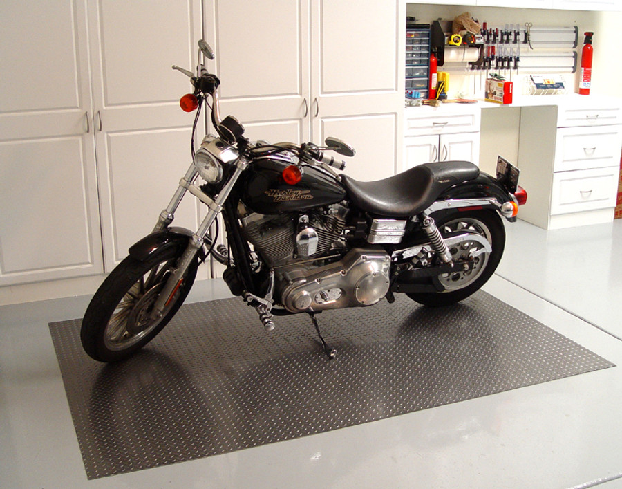 Diamond Deck Roll-out Flooring with motorcycle - Battleship grey