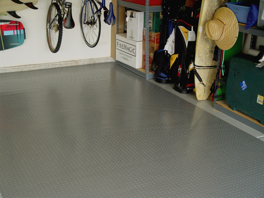 RoughTex Diamond Deck Rollout Flooring 2.9mm Overall Thickness - Pewter Garage