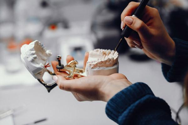 Dentures repair