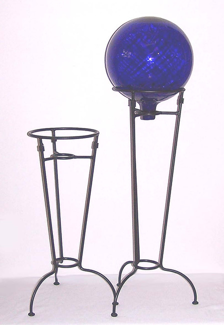 Traditional Gazing Ball Stand