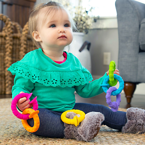 Pip Squigz Ringlets by Fat Brain Toys