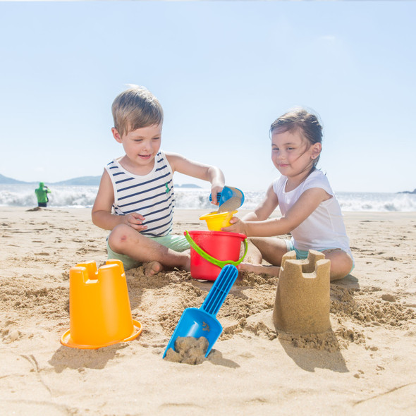 5-in-1 Beach set from Hape