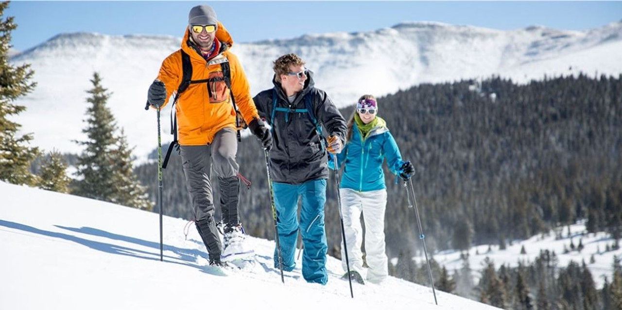 What Pants Should Be Worn for Snowshoeing?