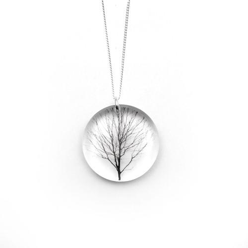 Round tree pendant