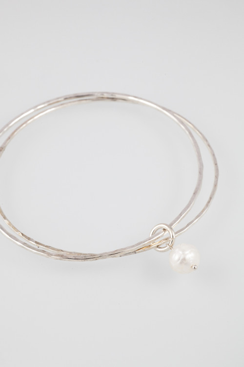 Double bangle with pearl