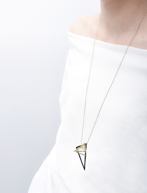 Junction tri long necklace