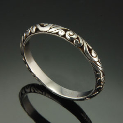 Scroll stacking ring