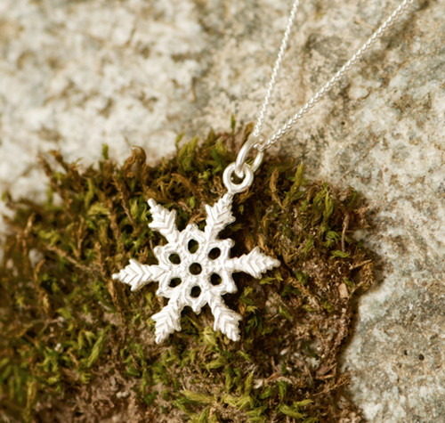 Mini snowflake  necklace