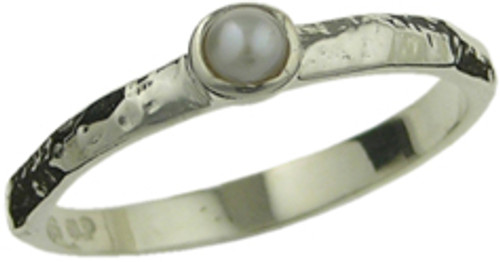 Thin band with pearl