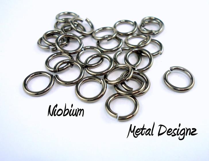 """Niobium Jump Rings 20 gauge 3/16"""" id."""