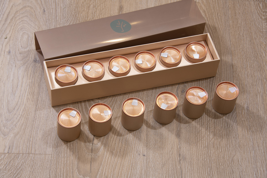 Tea Box Sleeve With 6 tins