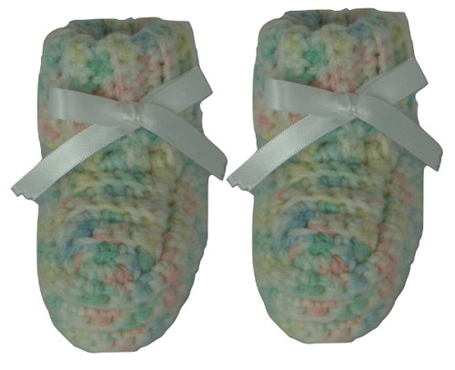 Pair of cute knitted baby ugg style boots Size 0 - 3 Months
