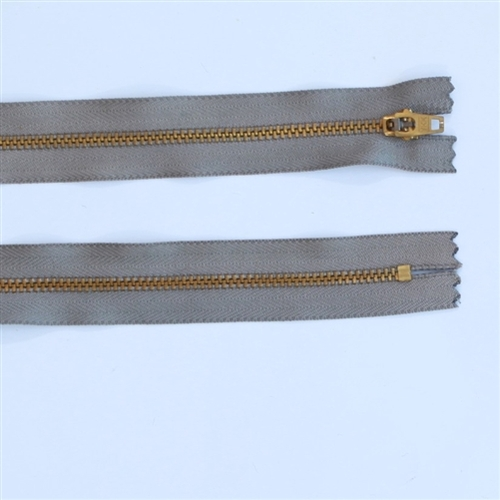 20cm stone metal zip