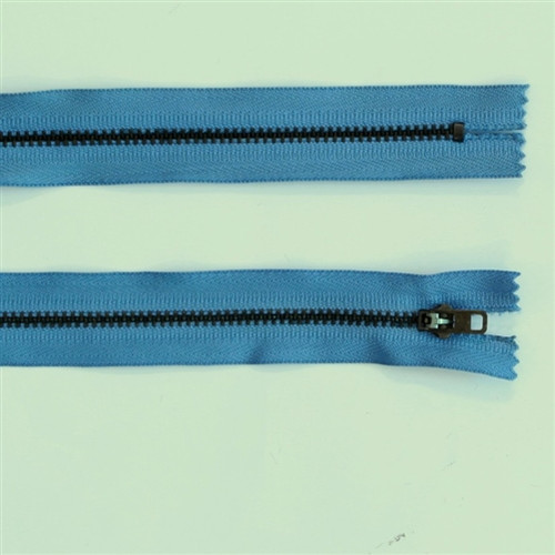 17cm blue metal zip
