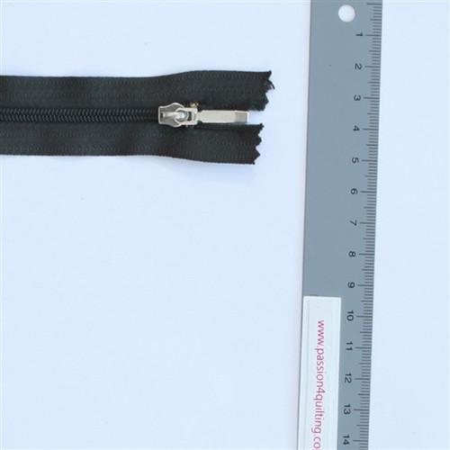 20cm Dark green nylon zip