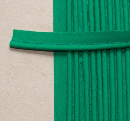 Piping grass green per metre