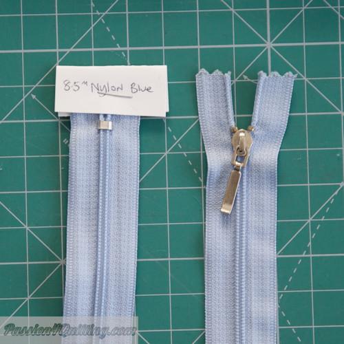 Blue nylon zip 22cm