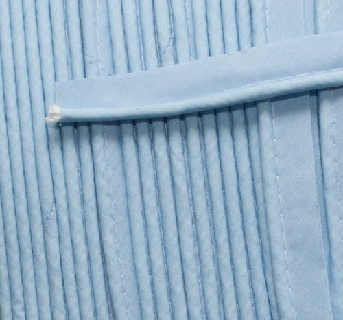 Piping light blue per metre