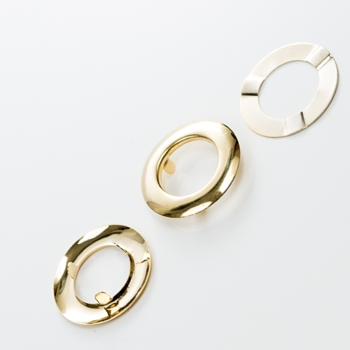 Gold ring holder.3cm per pair
