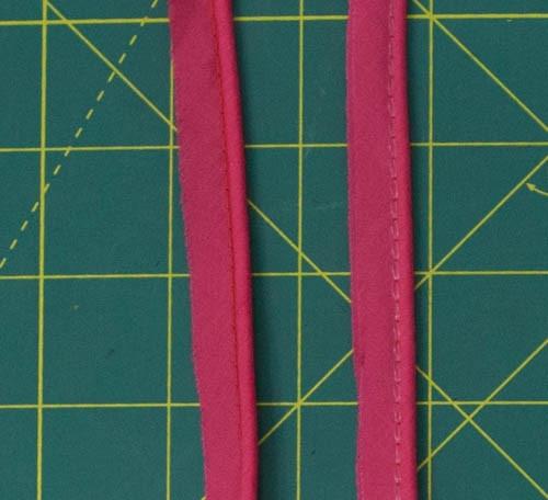 Piping fuchsia pink per metre