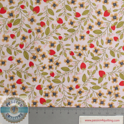 Daisy Mae Strawberry and Flowers Design 104 per 25cm
