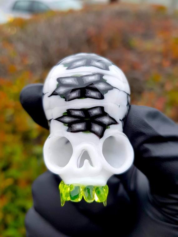 CAP'N CRUNK - Millie Chip Skull Pendant (UV Reactive)