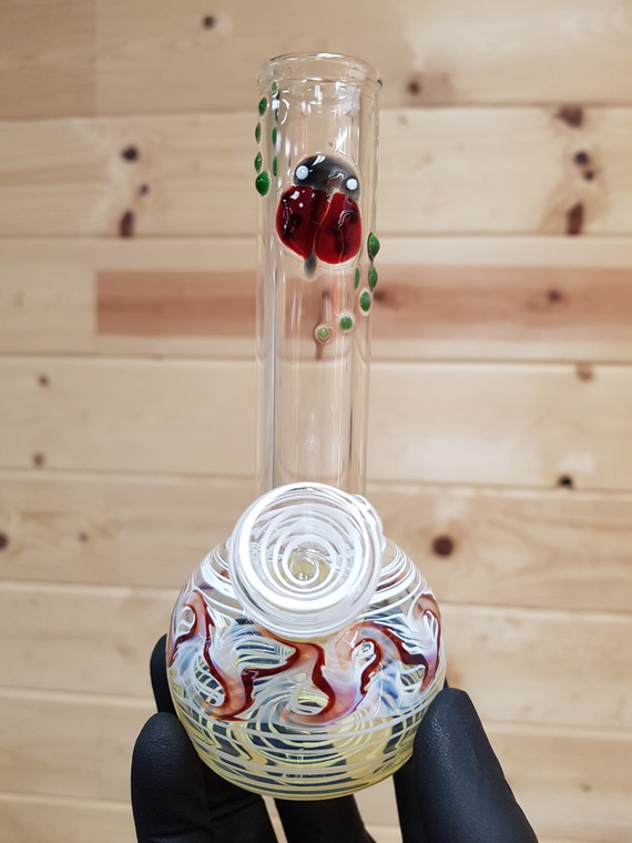 SAND TO HAND - Mini Bong Water Pipe w/ Wrap and Rake Artwork - Lady Bug/White