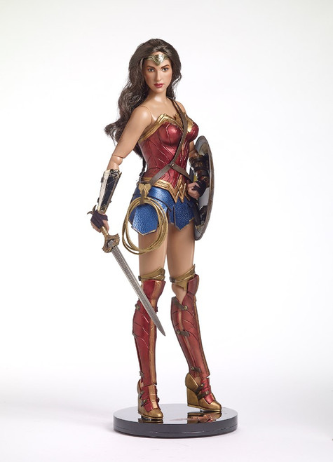 TONNER WONDER WOMAN DELUXE BUNDLE