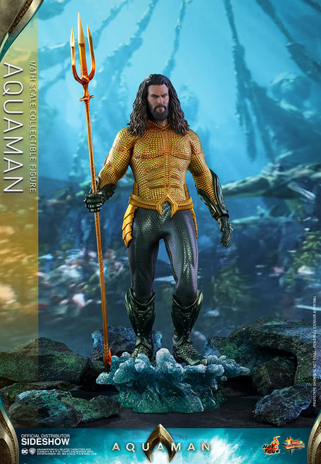 Jason Momoa as Arthur Curry in AQUAMAN Sixth Scale DC Figure by Hot Toys MMS518