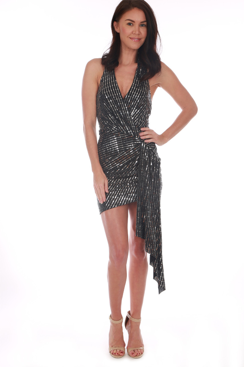 60f03def20f ASTR The Label dress! features a halter top with deep v-neckline