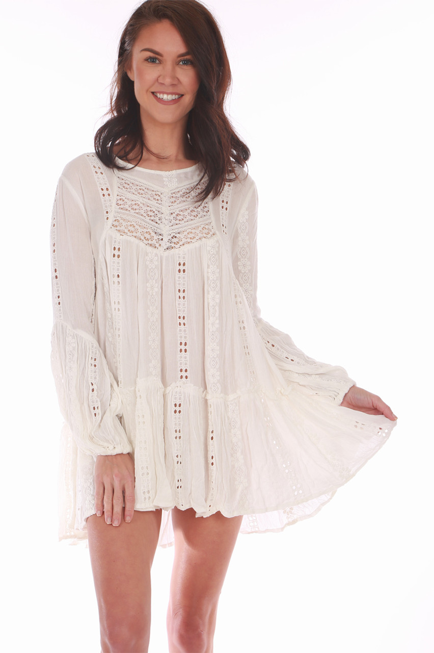 ceffeee7ec3cd Wear this white Free People top as a tunic or dress!! It features beautiful