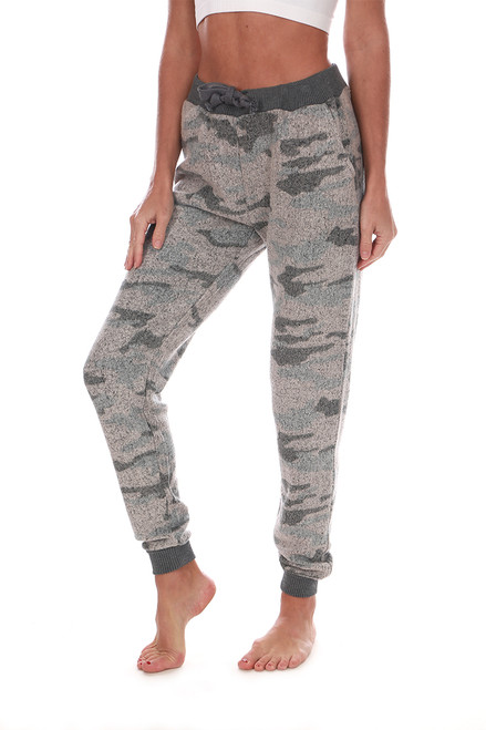 Cozy Fleece Camo Jogger Sweatpants