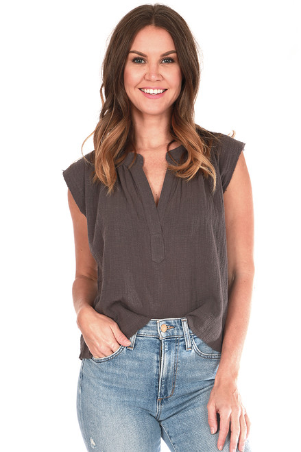 Sleeveless Muslin Cropped Blouse