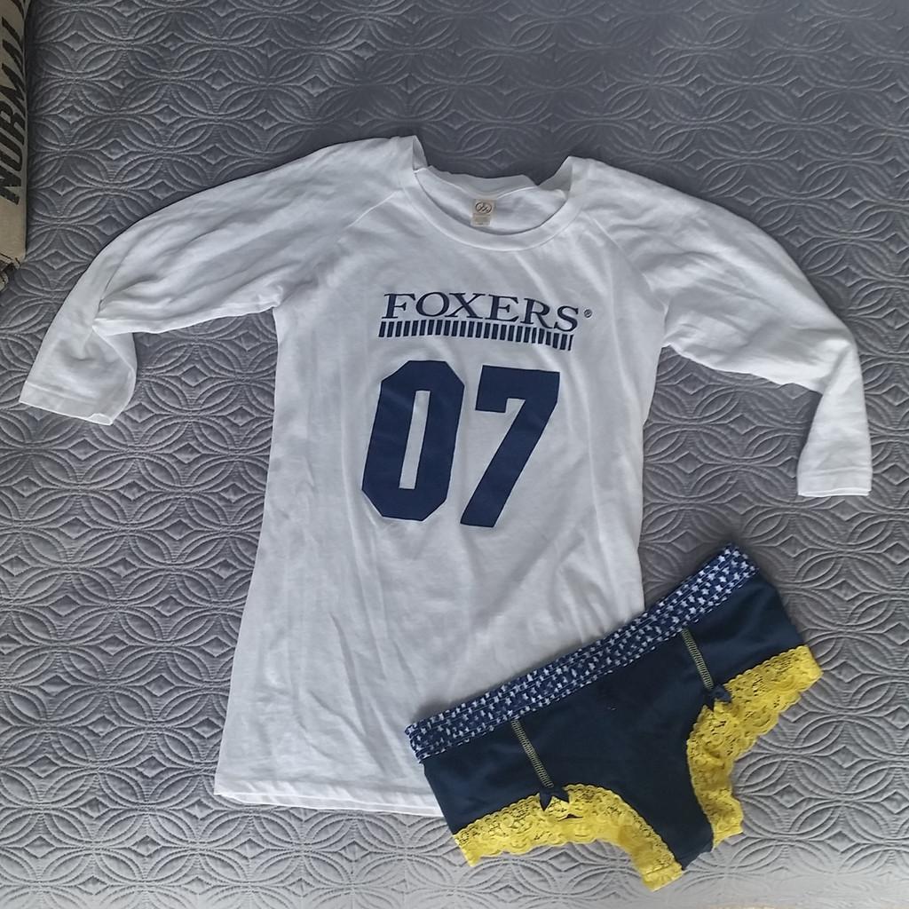 FOXERS raglan sleeve t-shirt with navy blue boyshorts
