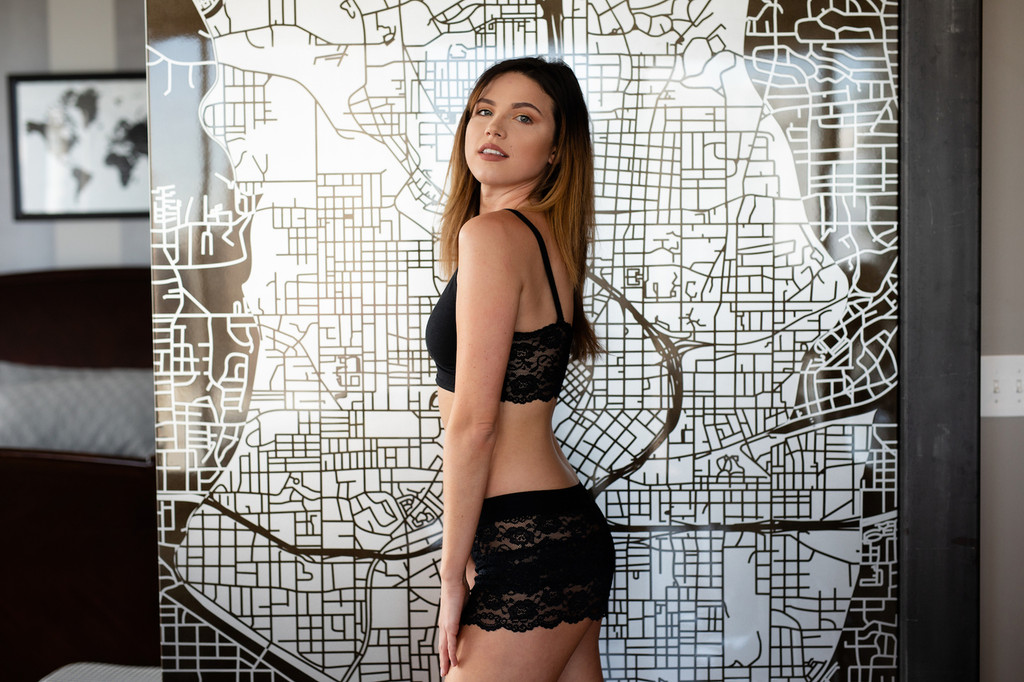 black cropped lace cami