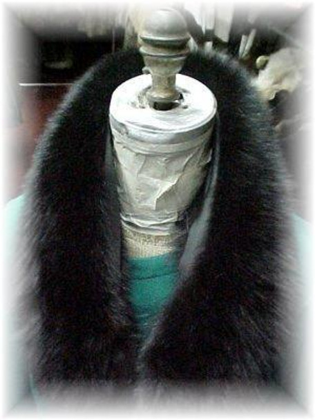 Full Skin Black Fox Wing Fur Collar