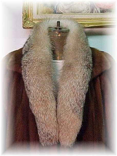 Full Skin Crystal Fox Shawl Fur Collar and Fur Cuffs Set